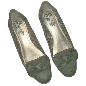Anthropologie Seychelles Green Leather Bow Loafers